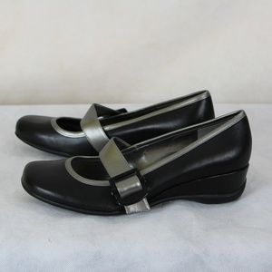 Kenneth Cole Reaction Very Mary Mary Jane Wedges